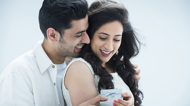 Lovely Gift Ideas to Win Your Wife's Heart on Her Birthday